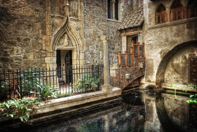 Hammond Castle Inner Courtyard
